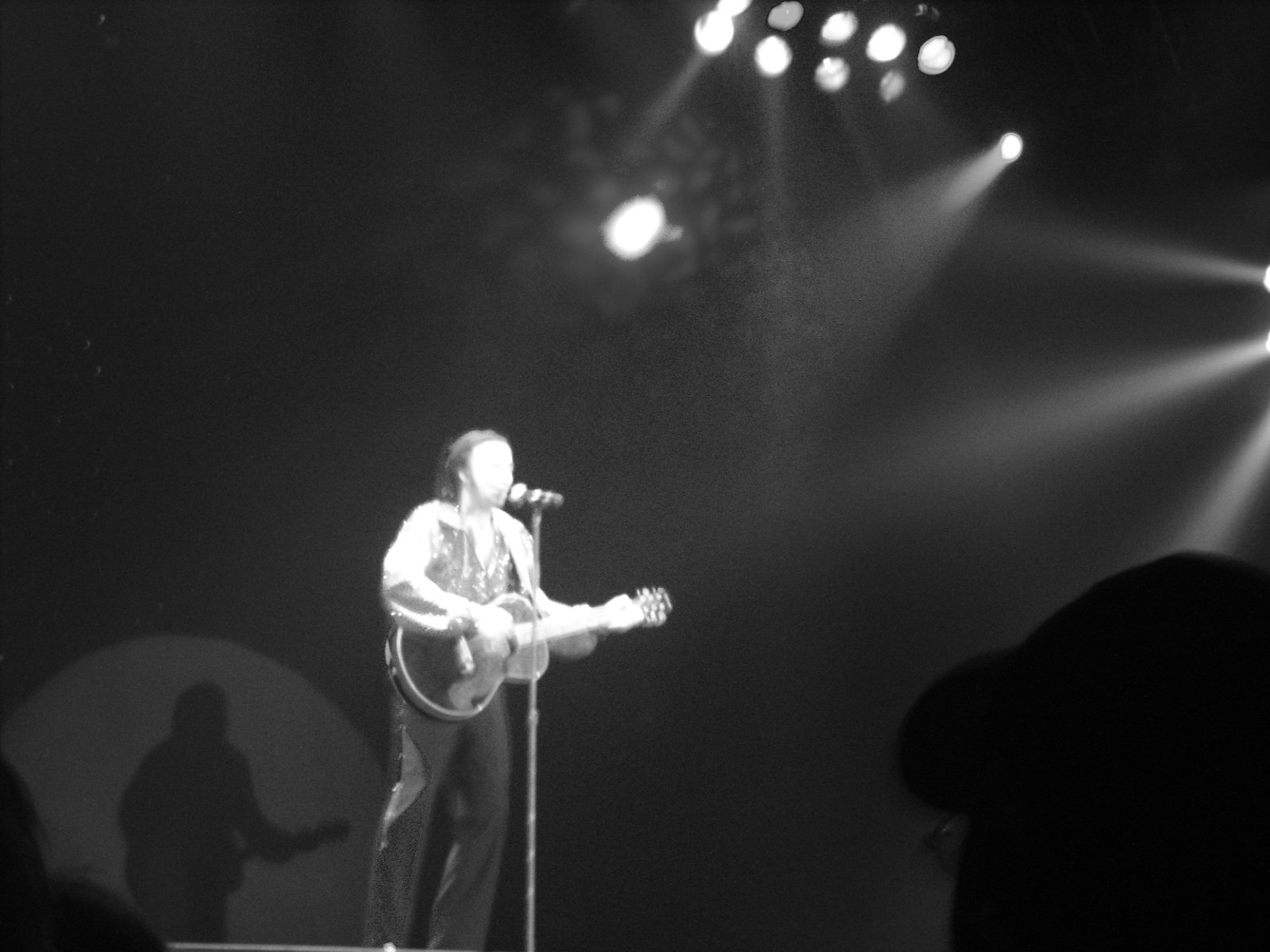 Onstage at the Hilton in Atlantic City NJ: Neil Diamond impersonator Tom Sadge. Photo: Marion Sadge - webmaster of TomSadge.com
