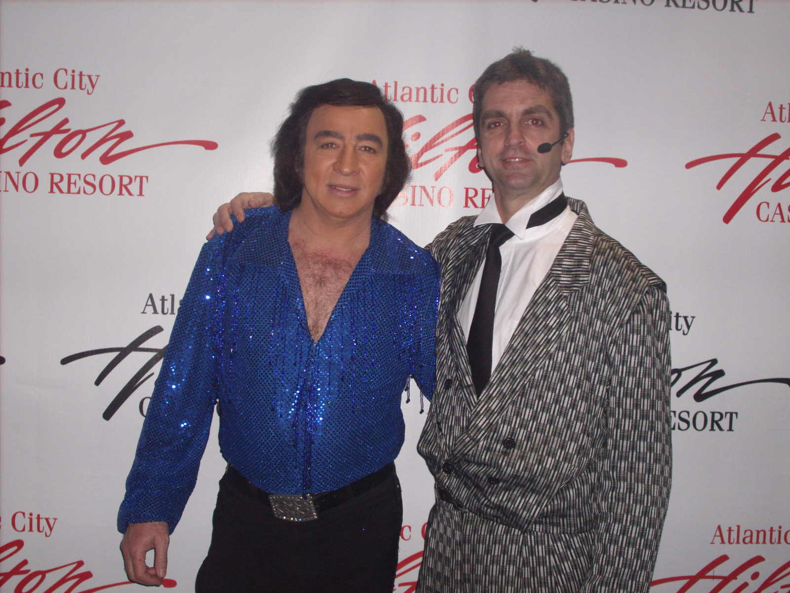 Tom Sadge as Neil Diamond and Glenn Singer, comedian of www.horseguy.com - Photo: Marion Sadge - webmaster of TomSadge.com