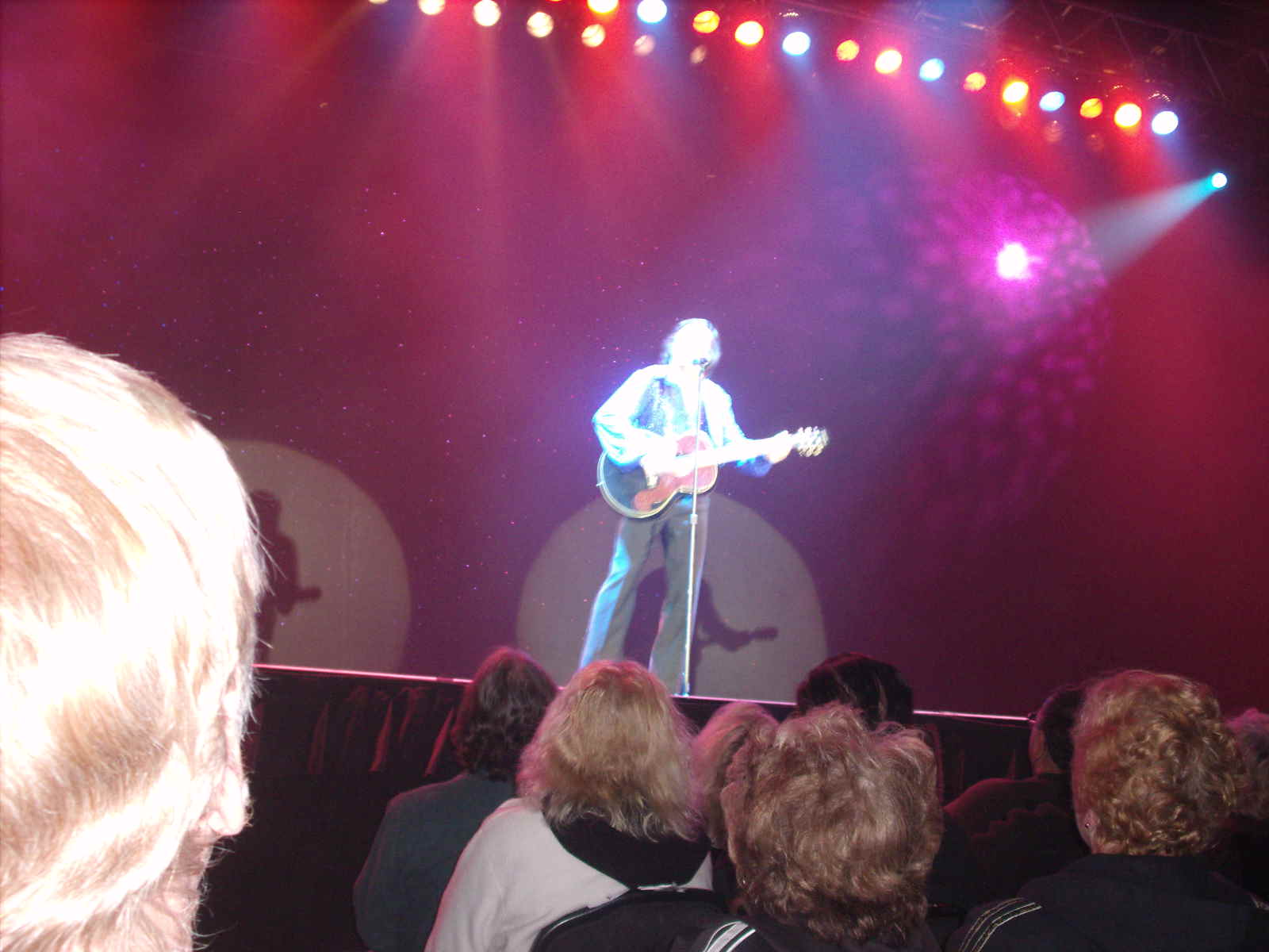 Tom Sadge as Neil Diamond: Onstage in A Really Big Shew at the Hilton Casino Resort in Atlantic City NJ - Photo: Marion Sadge - webmaster of TomSadge.com