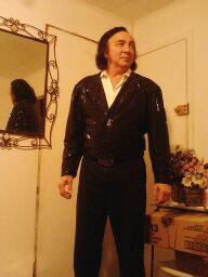 Tom Sadge in his dressing room right before his show. Photo by Marion Weiscarger Roughsedge.