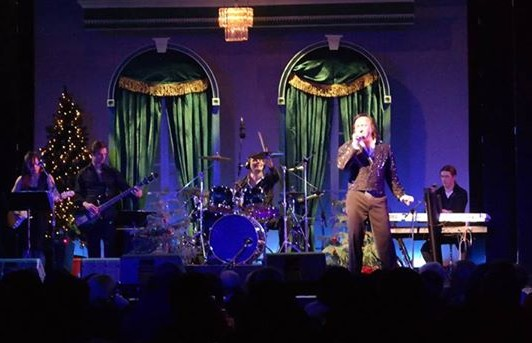 Tom Sadge and Neil Diamond tribute band in CT theater.